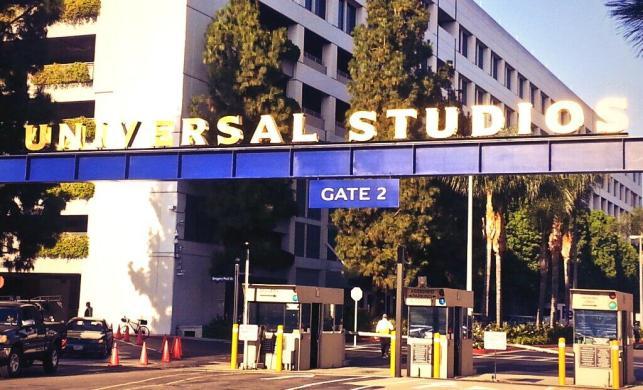 Johns Hopkins Uinversity Center for Leadership Education Universal Studios Social Media Marketing
